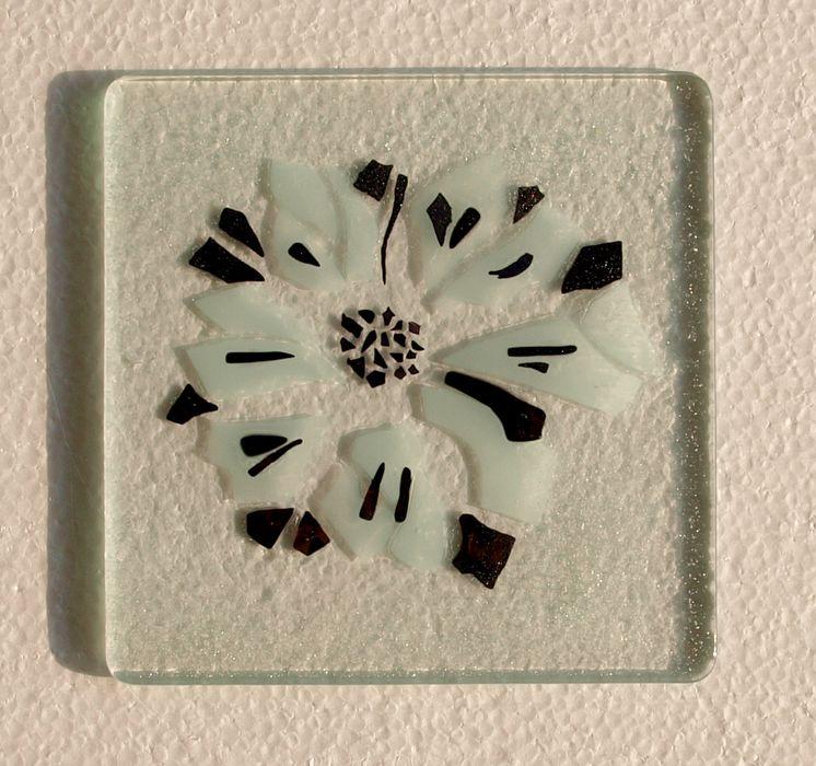 spiegel dekorative glasfliesen tischplatten aus glas. Black Bedroom Furniture Sets. Home Design Ideas
